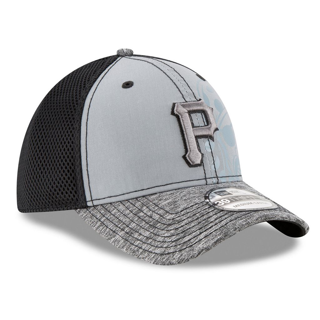 Adult New Era Pittsburgh Pirates 39THIRTY Shadow Reflect Flex-Fit Cap