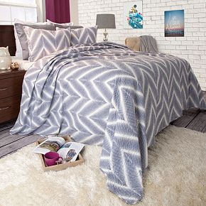 Portsmouth Home Oriana Quilt Set