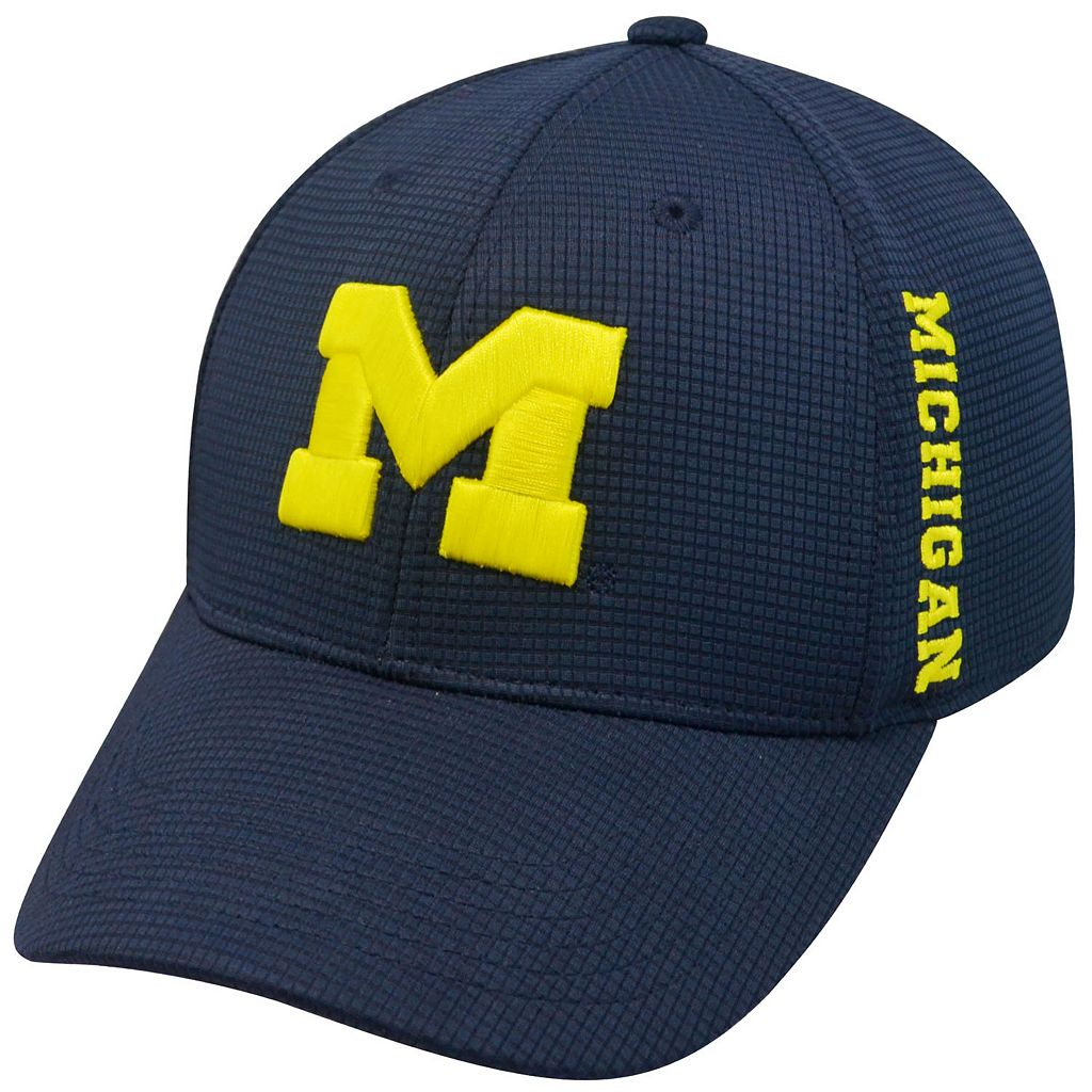 Adult Michigan Wolverines Booster Plus Memory-Fit Cap