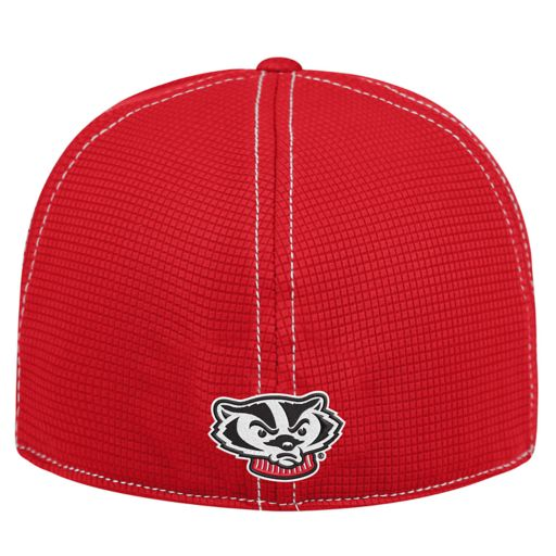 Adult Top of the World Wisconsin Badgers Upright Performance One-Fit Cap