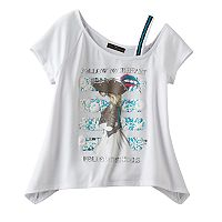 Disney D-signed Pirates of the Caribbean: Dead Men Tell No Tales Girls 7-16 Asymmetrical Off Shoulder Sharkbite Hem Graphic Tee