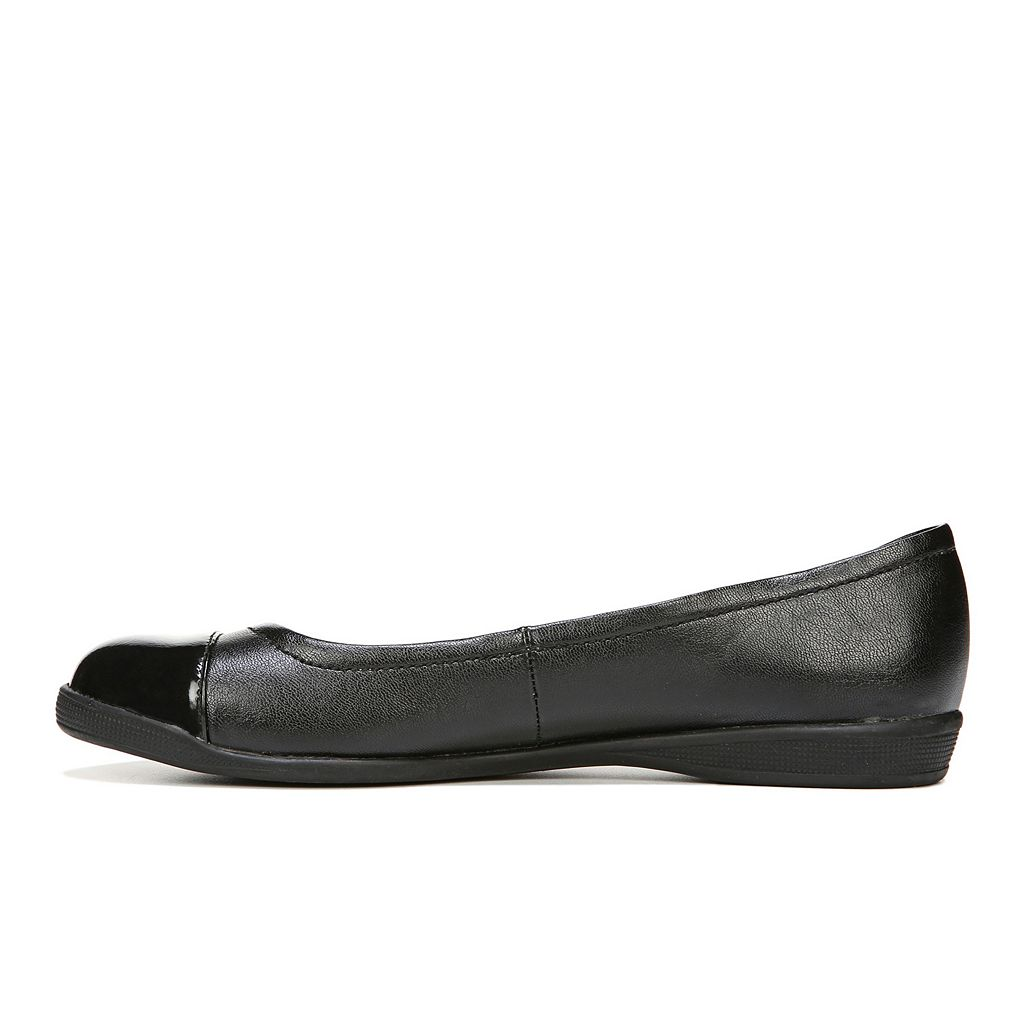 LifeStride Gifted Women's Ballet Flats