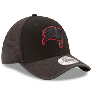 Adult New Era Tampa Bay Buccaneers 39THIRTY Tech Flex-Fit Cap