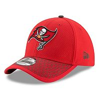 Adult New Era Tampa Bay Buccaneers 39THIRTY Sideline Fitted Cap