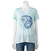 Juniors' Floral Yin Yang Flower Graphic Tee