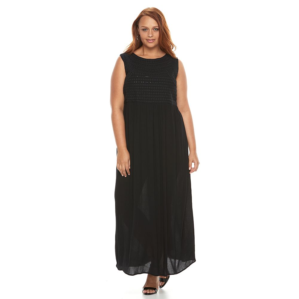 Size Design 365 Embroidered Maxi Dress