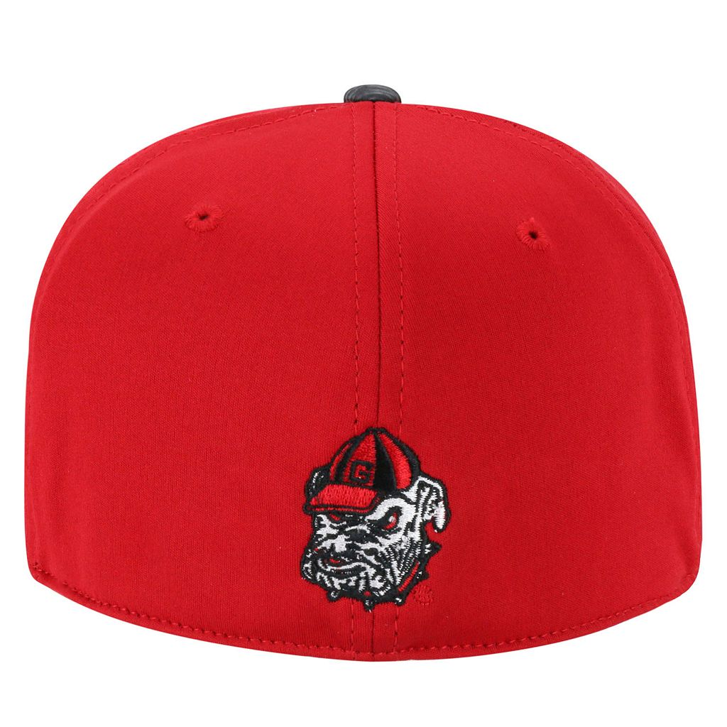 Adult Top of the World Georgia Bulldogs Lightspeed One-Fit Cap