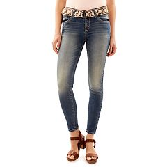Juniors' Wallflower Curvy Faded Skinny Jeans