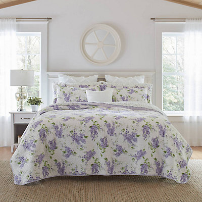 Laura Ashley Lifestyles Keighley Quilt Set