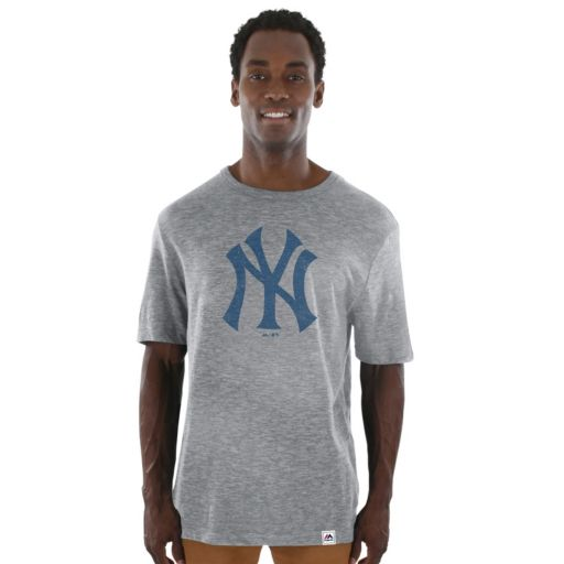 Men's Majestic New York Yankees Fast Pitch Tee