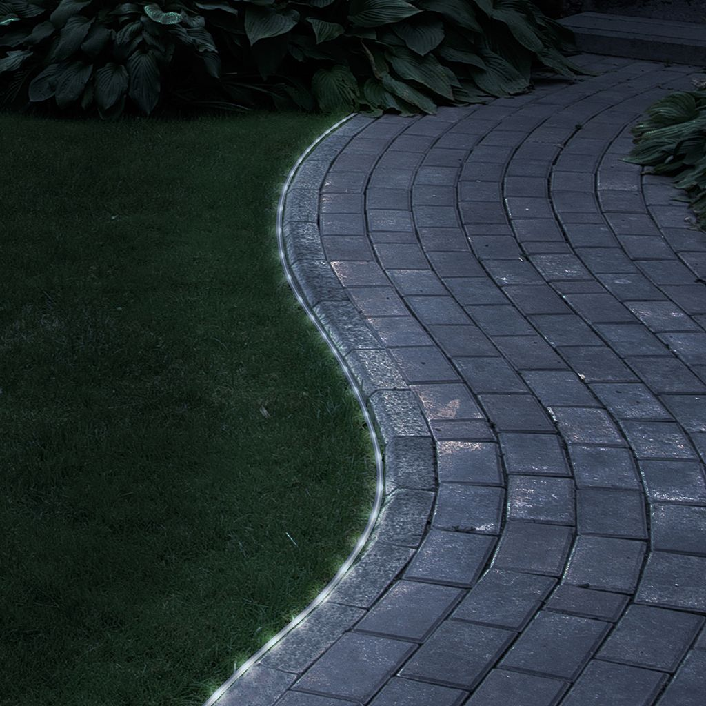 Navarro 32-ft. Outdoor Solar LED Rope Light