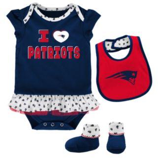 Baby New EnglandPatriots Team Love Bodysuit Set