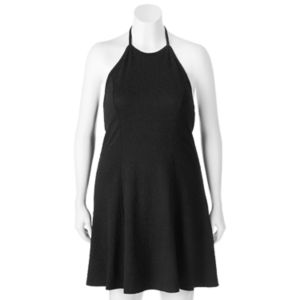 Juniors' Plus Size SO® Textured Halter Dress