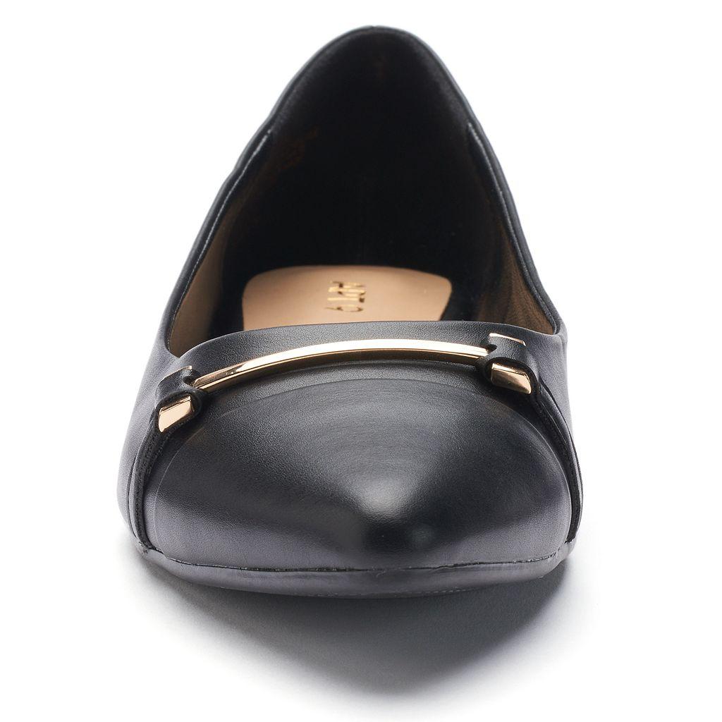 Apt. 9® Job Women's Pointed Cap Toe Flats