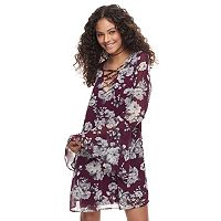 Juniors' Speechless Floral Lattice V-Neck Shift Dress