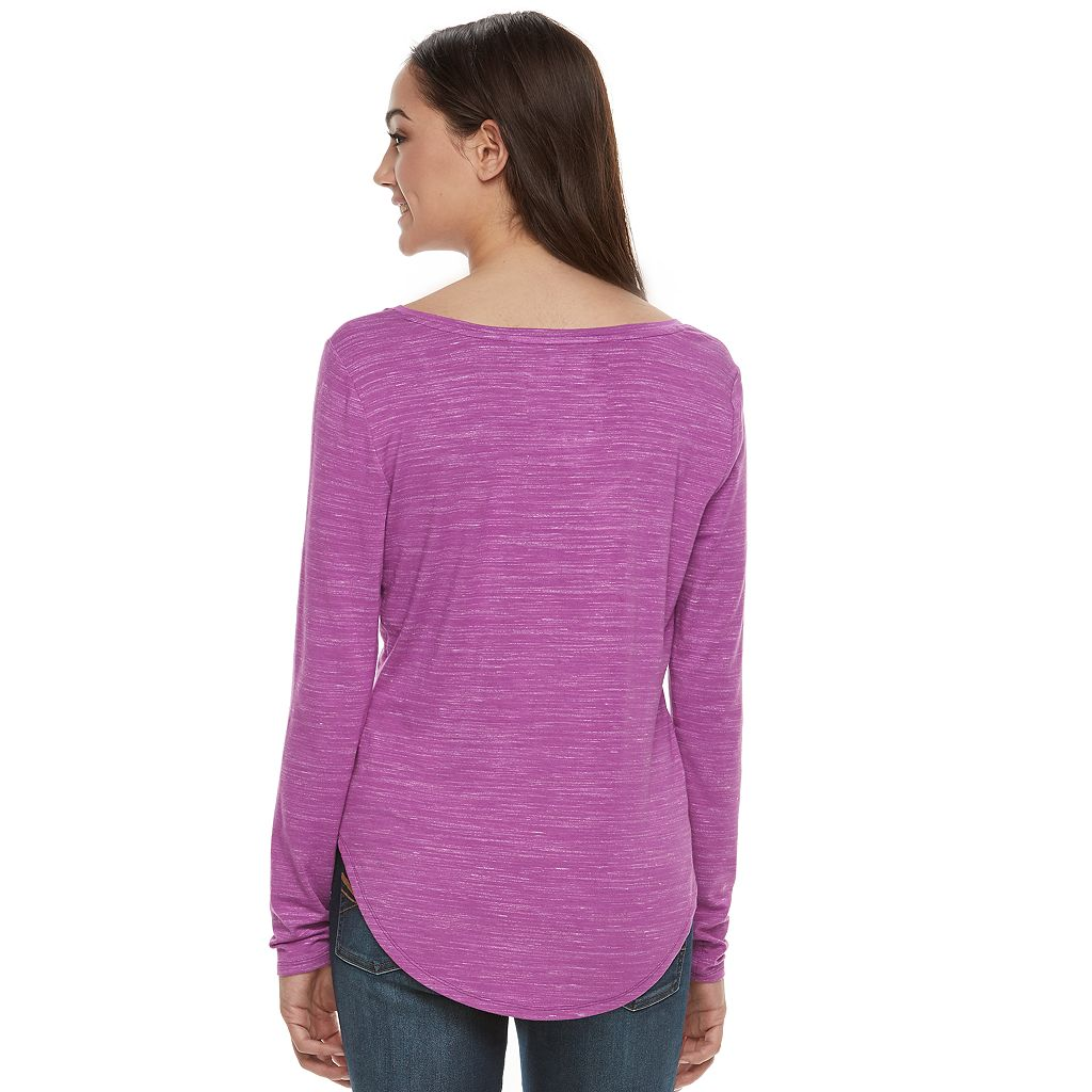 Juniors' SO® Long Sleeve V-Neck Tee