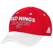 Adult adidas Detroit Red Wings Locker Room Flex-Fit Cap