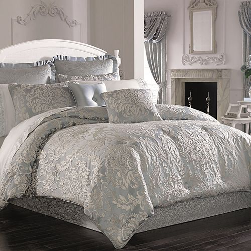 37 West Faith Comforter Set