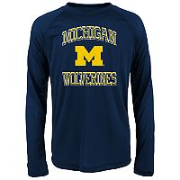 Boys 8-20 Michigan Wolverines Gridiron Hero Tee