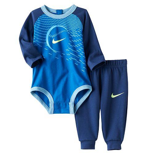 Baby Boy Nike Sports Bodysuit & Pants Set