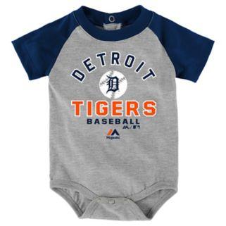 Baby Majestic Detroit Tigers Fan Favorite Bodysuit & Shorts Set