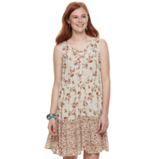 Juniors' Rewind Print Tiered Shift Dress