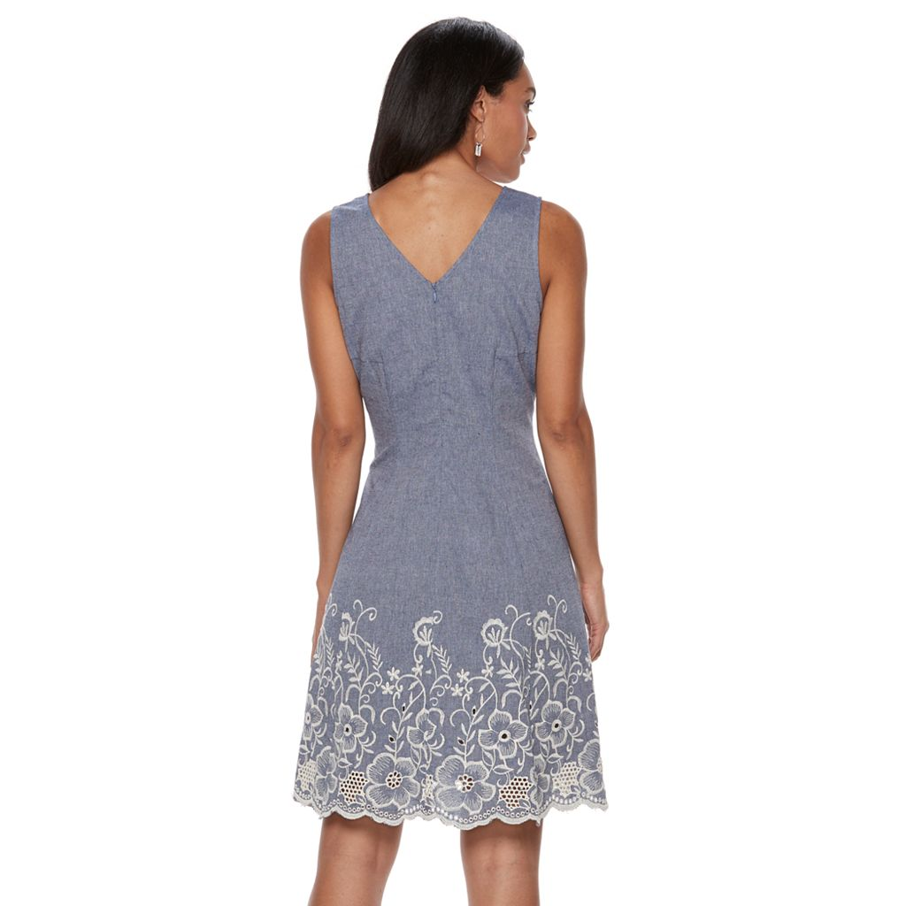Women's Sharagano Sleeveless Floral Embroidered Dress