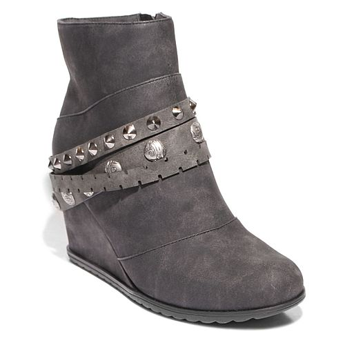 2 Lips Too Too Nancy Women's Wedge Ankle Boots