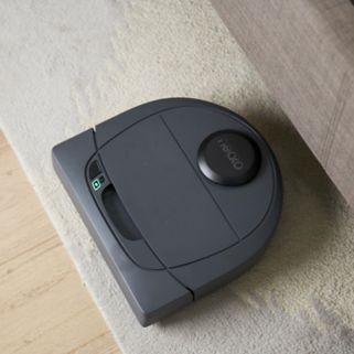 Neato Botvac D303 Pet & Allergy Robotic Vacuum