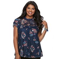 Junior's Plus Size Heart & Soul Floral Illusion Lace Top