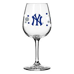 Boelter New York Yankees Polka-Dot Wine Glass