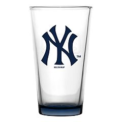 Boelter New York Yankees Embossed Pint Glass