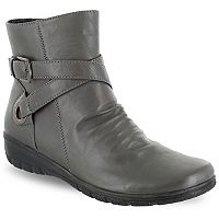 Easy Street Questa Women's Ankle Boots