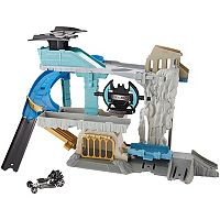 Hot Wheels DC Batcave Play Set by Mattel