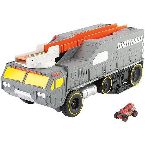 Matchbox Color Changers Meteor Hauler Play Set by Mattel