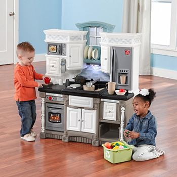Step2 Chef\'s Gallery Play Kitchen Set