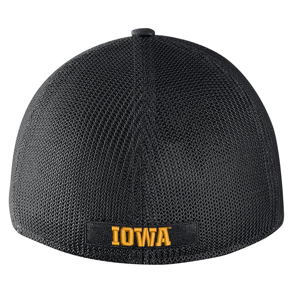 Adult Nike Iowa Hawkeyes Aero Classic 99 Flex-Fit Cap