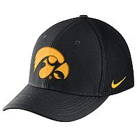 Adult Nike Iowa Hawkeyes Aero Classic 99 Flex-Fit Cap