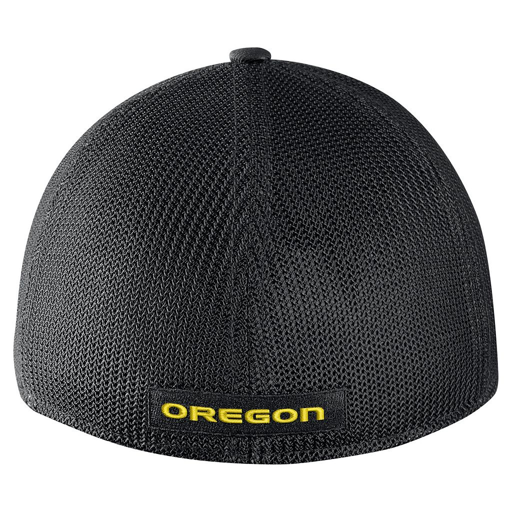 Adult Nike Oregon Ducks Aero Classic 99 Flex-Fit Cap
