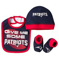 Baby New England Patriots 3-Piece Bib, Cap & Bootie Set