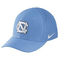 Adult Nike North Carolina Tar Heels Aerobill Flex-Fit Cap