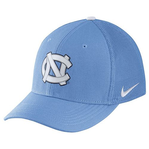 Adult Nike North Carolina Tar Heels Aerobill Flex-Fit Cap