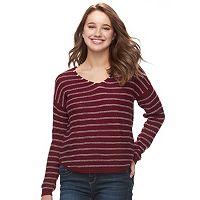 Juniors' SO® Textured V-Neck Sweater
