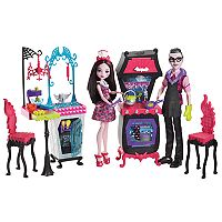 Monster High Monster Family Vampire Kitchen Playset, Draculaura Doll & Dracula Doll Set
