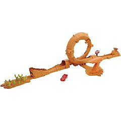 Disney/Pixar Cars 3 Willy's Butte Transforming Track Set by Mattel
