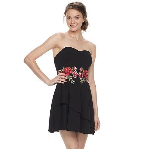 Juniors' Speechless Strapless Floral Applique Dress