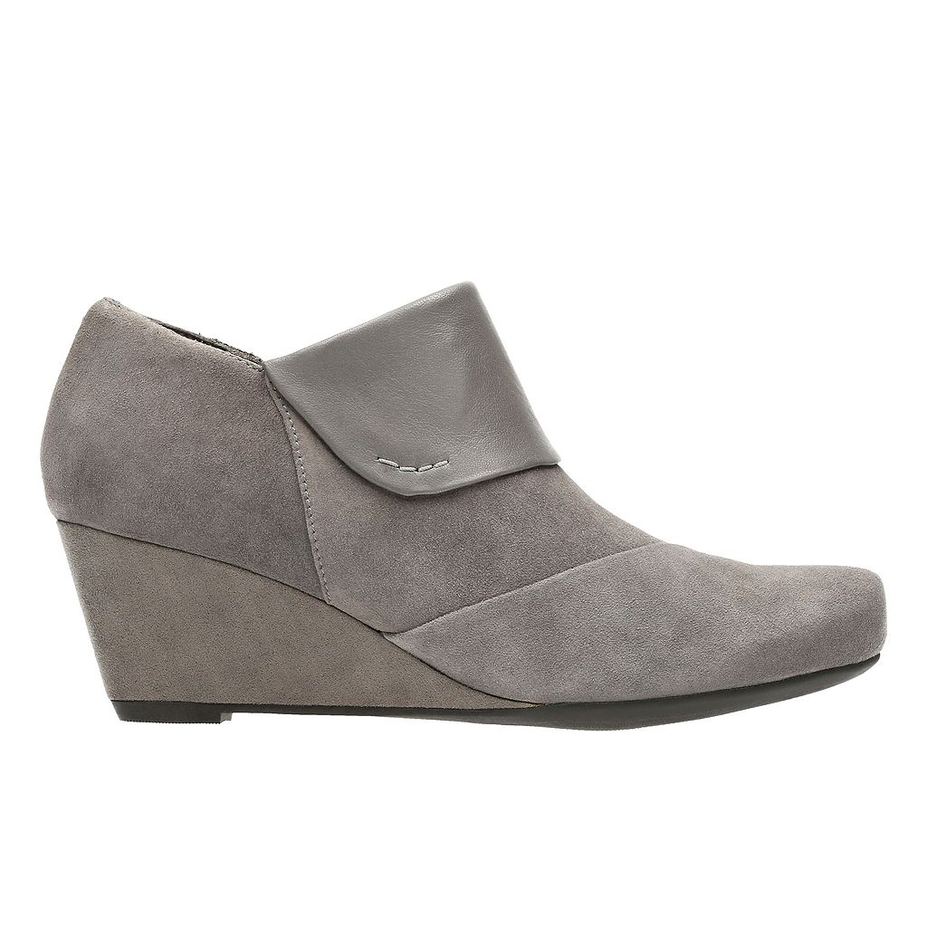 Clarks Flores Dahlia Women's Wedge Ankle Boots