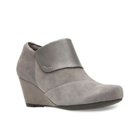 Clarks Flores Dahlia Women's Wedge Ankle Boots
