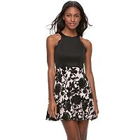 Juniors' Three Pink Hearts Scalloped Floral Skater Dress