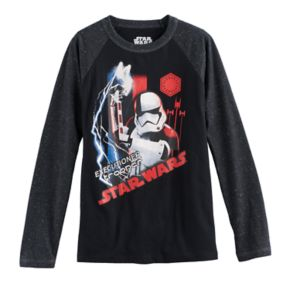Boys 8-20 Star Wars: Episode VIII The Last Jedi Executioner Trooper Pose Tee